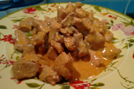 cerdo-salsa-queso