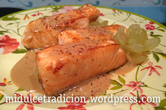 salmon-salsa-uvas