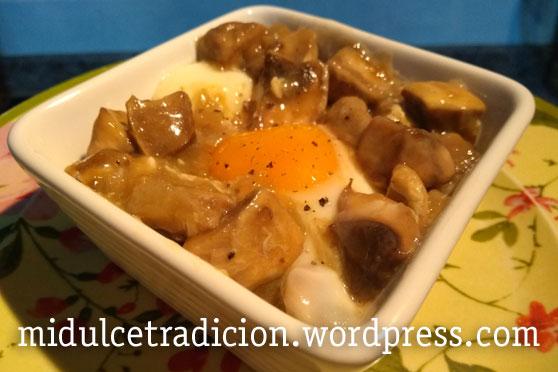 champiniones-salsa-huevo