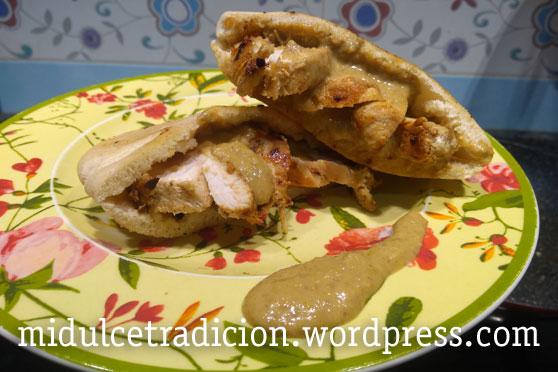 pollo-asado-salsa-frutos-secos